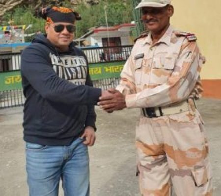 Kiran Roy invited by Indian Army to conduct a Workshop to lift the spirits of the soldiers posted at the harsh terrains of the India-China border